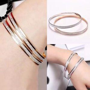 Jewelry - Gold Bangle